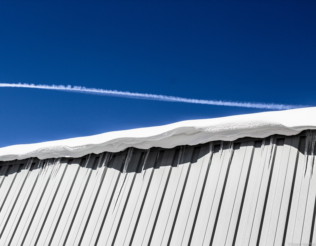 icle roof snowline chem trail.jpg